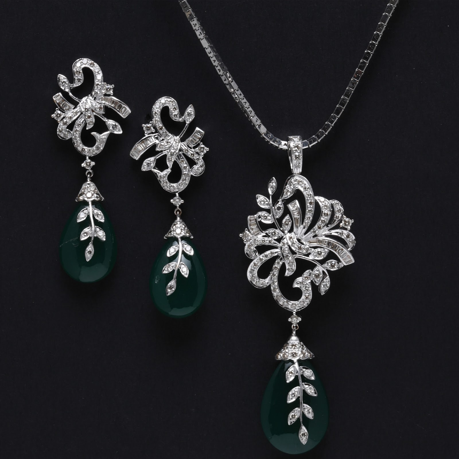 indian jewellery and clothing emerald pendant sets from