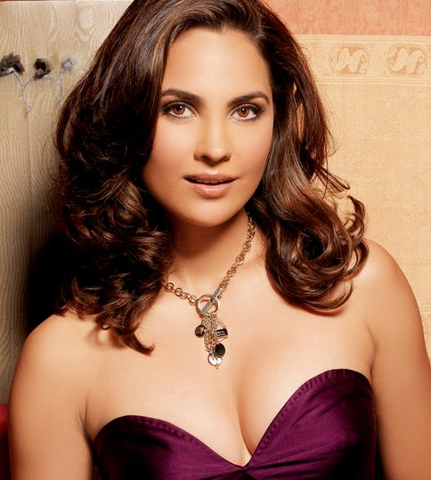Bollywood Actress Lara Dutta Hot Photos and Wallpapers