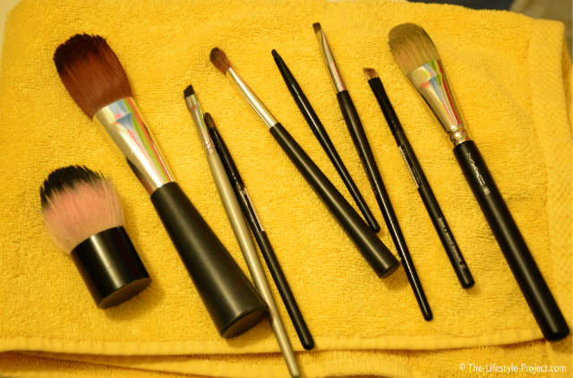 benefits-clean-makeup-brushes