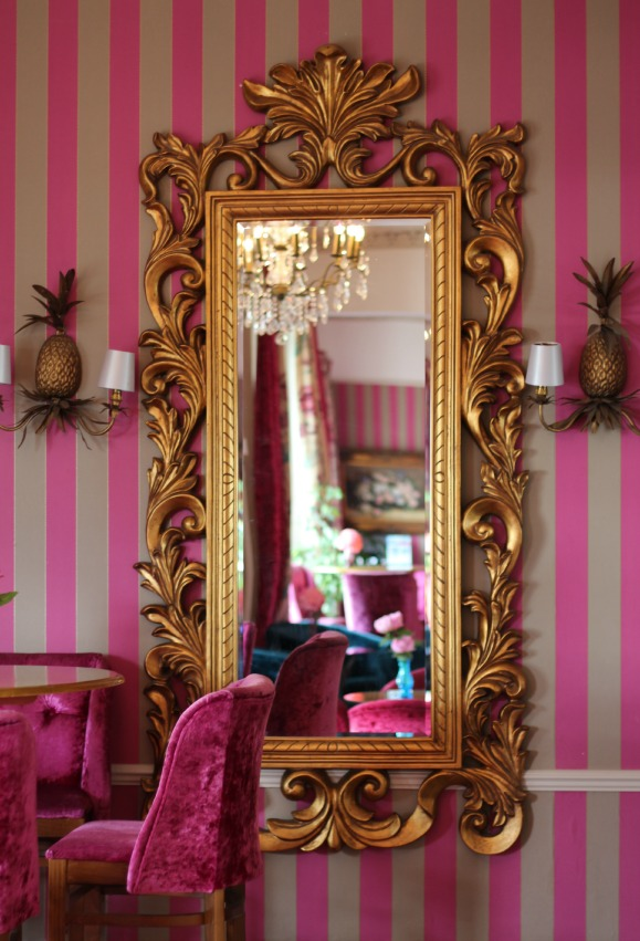 Ornate gold mirror, chandelier, pink velvet bar stools, Cottonwood Boutique Hotel Bournemouth