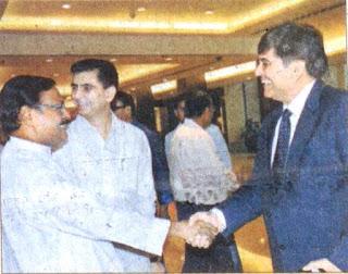 'द संडे गार्डियन' अख़बार के चंडीगढ़ एडीशन  के शुभारंभ के अवसर पूर्व सांसद सत्य पाल जैन, पत्रकार अजय शुक्ला व अन्य।