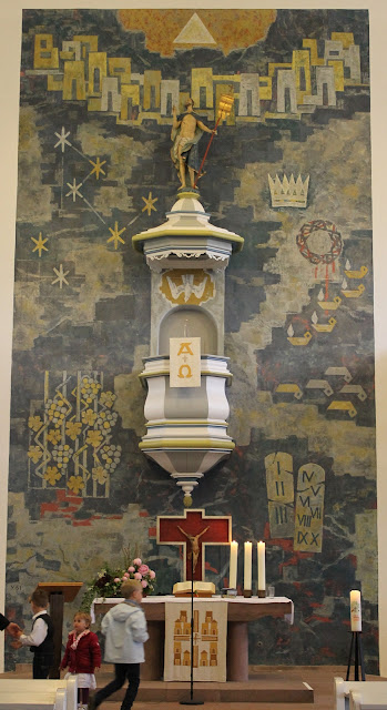 Mitte Kirchenschiff