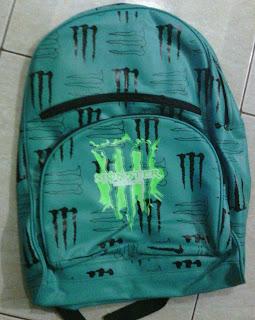 tas sekolah corak M hijau