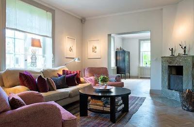 Vardagsrum vardagsrum soffa : Vardagsrum Howardsoffa: Howard soffa i vardagsrummet new england ...
