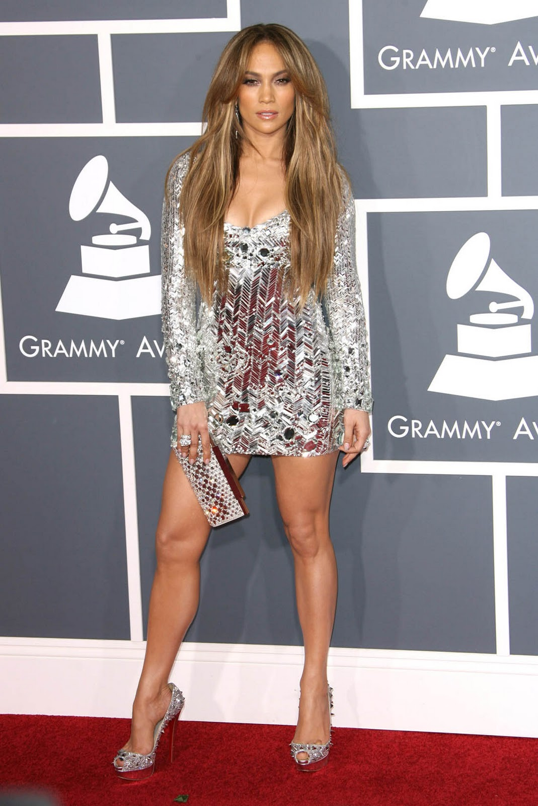 http://4.bp.blogspot.com/-10ZyI-Zh904/TuEijJOz8EI/AAAAAAAAAy8/RLpo4EanirY/s1600/jennifer_lopez_grammy_dress_4.jpg