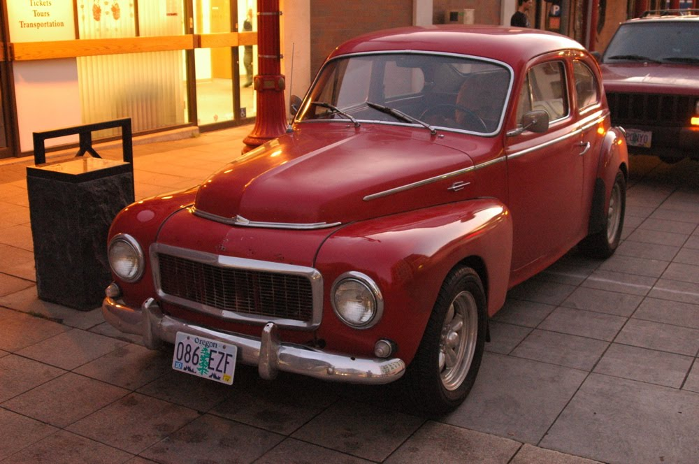 OLD PARKED CARS.: 1963 Volvo PV544.