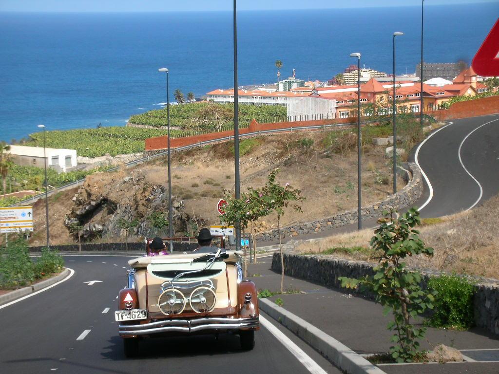 Club de amigos de los coches antiguos de tenerife destino el puerto de la cruz - Coches de alquiler en puerto de la cruz tenerife ...