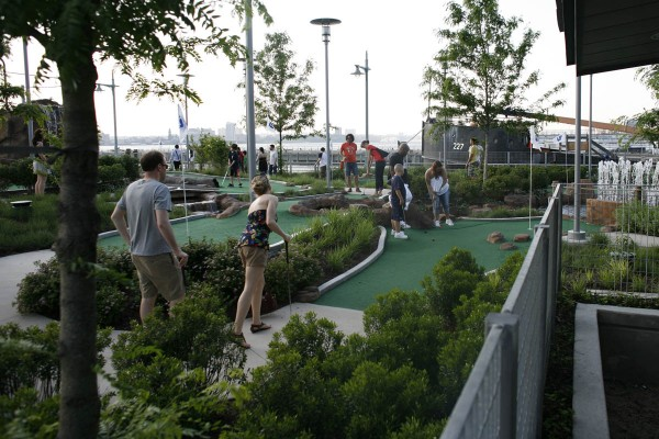 Miniature Golf Hudson River Park