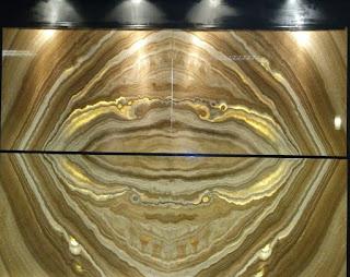 desain dinding kamar dengan marmer wooden onyx