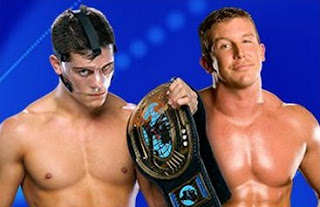 ted dibiase y cody rhodes como enemigos luchando en el cuadrilatero de night of champions 2011