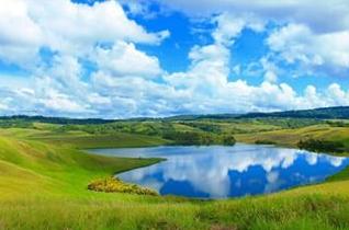 Tempat Wisata Danau Love Papua yang Tersembunyi
