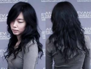 style rambut panjang wanita 300x229 Kumpulan Model Rambut Keriting Gantung Terbaru