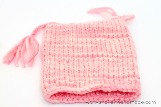 The easiest knit hat ever! The Pixie Hat (Free Pattern by Make It Handmade) can be made with just the knit stitch-- no increases, decreases or purling required!