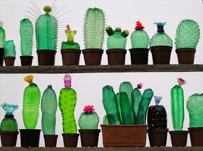 """Αυτή η καλλιτέχνης δίνει στα πλαστικά μπουκάλια μια """"νέα ζωή"""""""