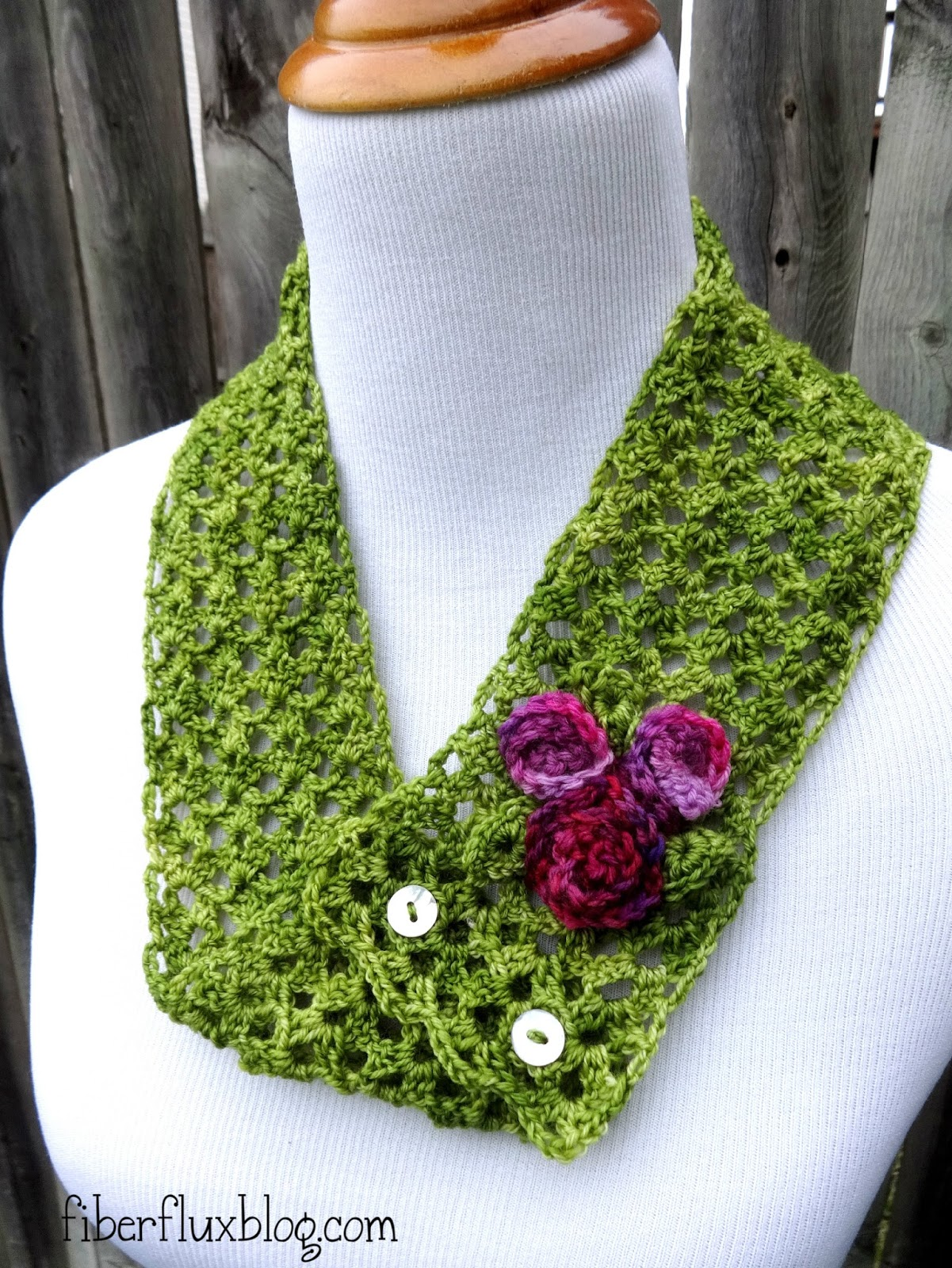 Crochet Patterns Vintage : Fiber Flux: Free Crochet Pattern...Vintage Corsage Cowl