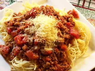 louisiana style spaghetti with meat sauce طريقة عمل الاسباجيتي بصلصة اللحم المفروم