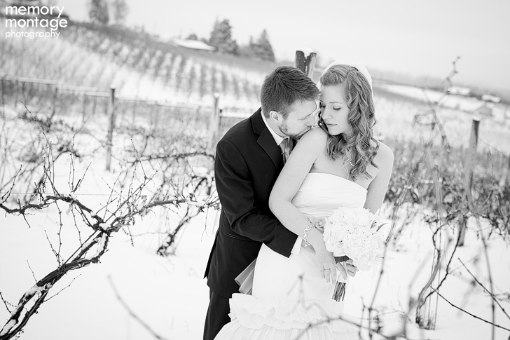 snowy December wedding at Fontaine Estates Winery Naches