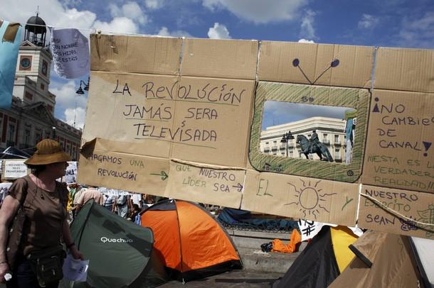 M15 - Madrid: Governo espanhol está a estudar a hipótese de evacuar a Porta do Sol