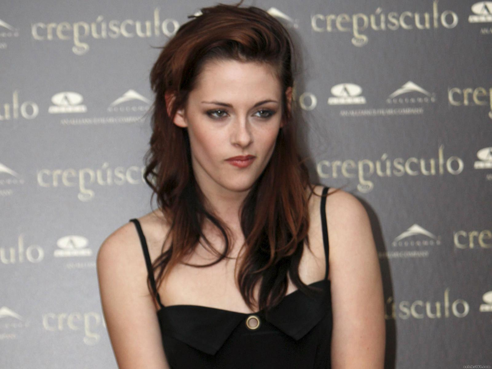 Download this Kristen Stewart Sexy Hot Blonde picture