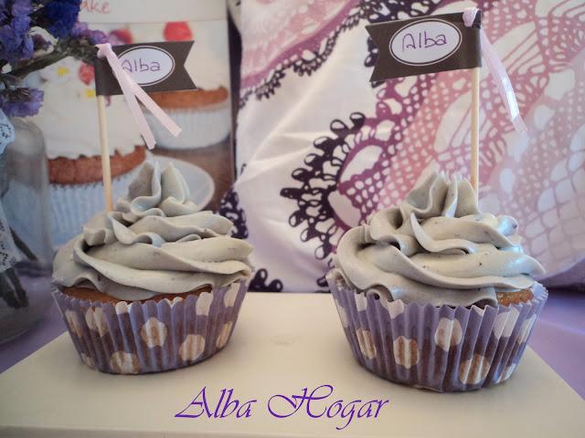 cupcakes morados y golosinas alba hogar