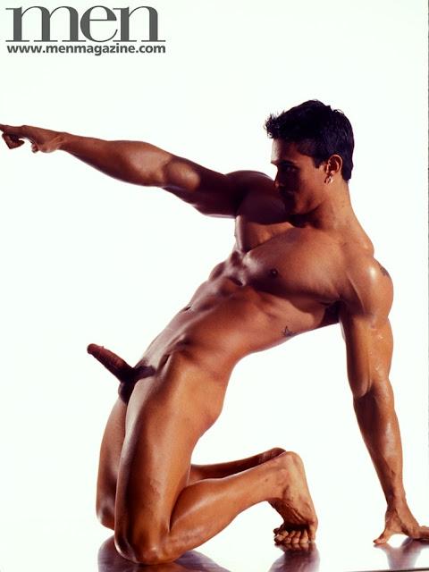 http://pagepakomx.blogspot.com/2011/03/modelo-tony-fernandes.html