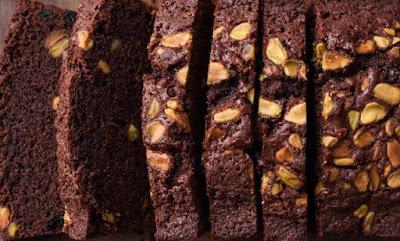 كيكة الشوكولاتة بالفستق سهلة التحضير