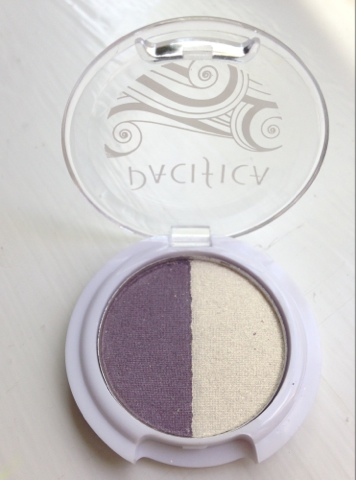 Pacifica eyeshadow duo in white/purple shimmer