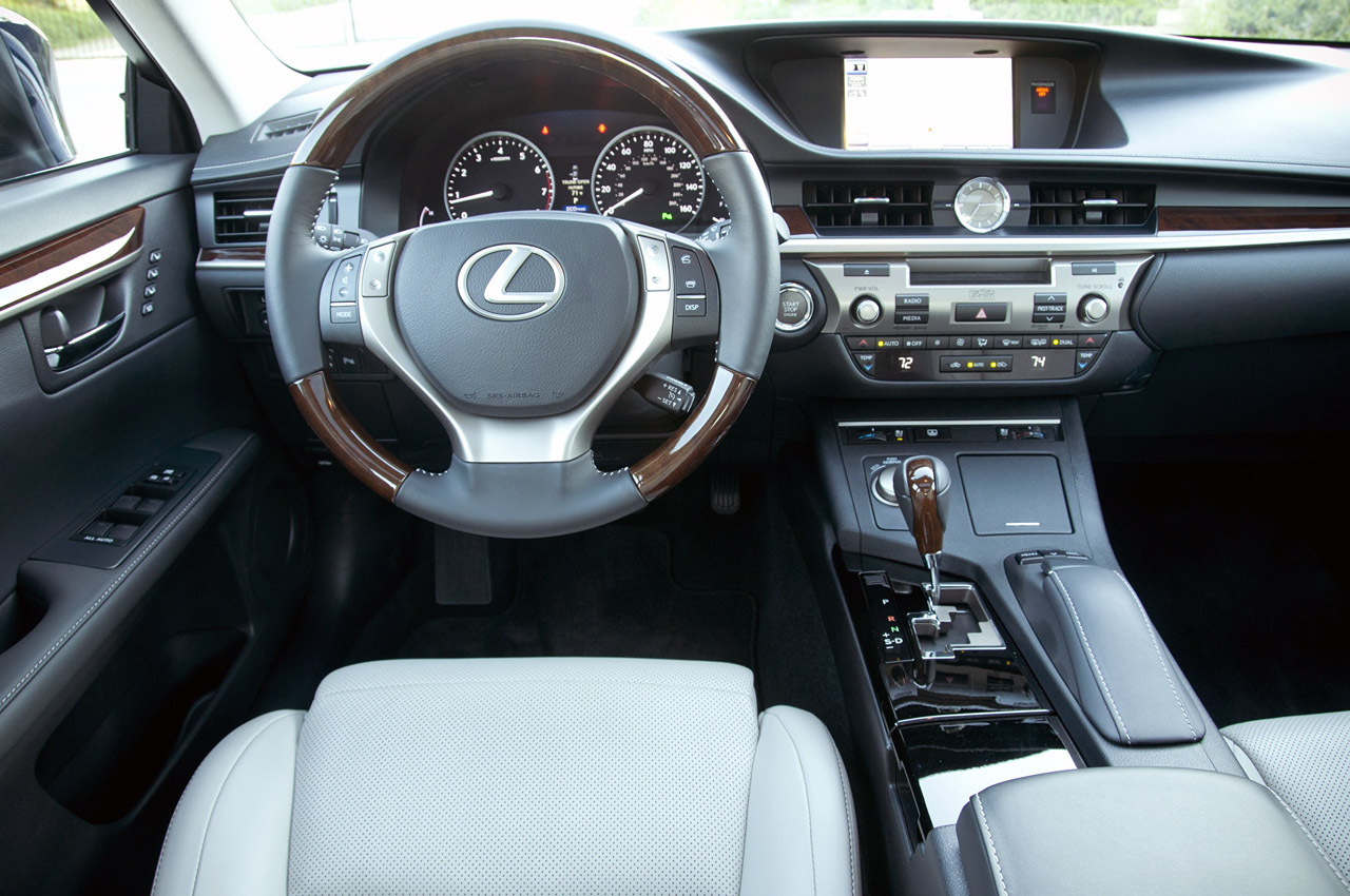 © Automotiveblogz: 2013 Lexus ES 350: Review Photos