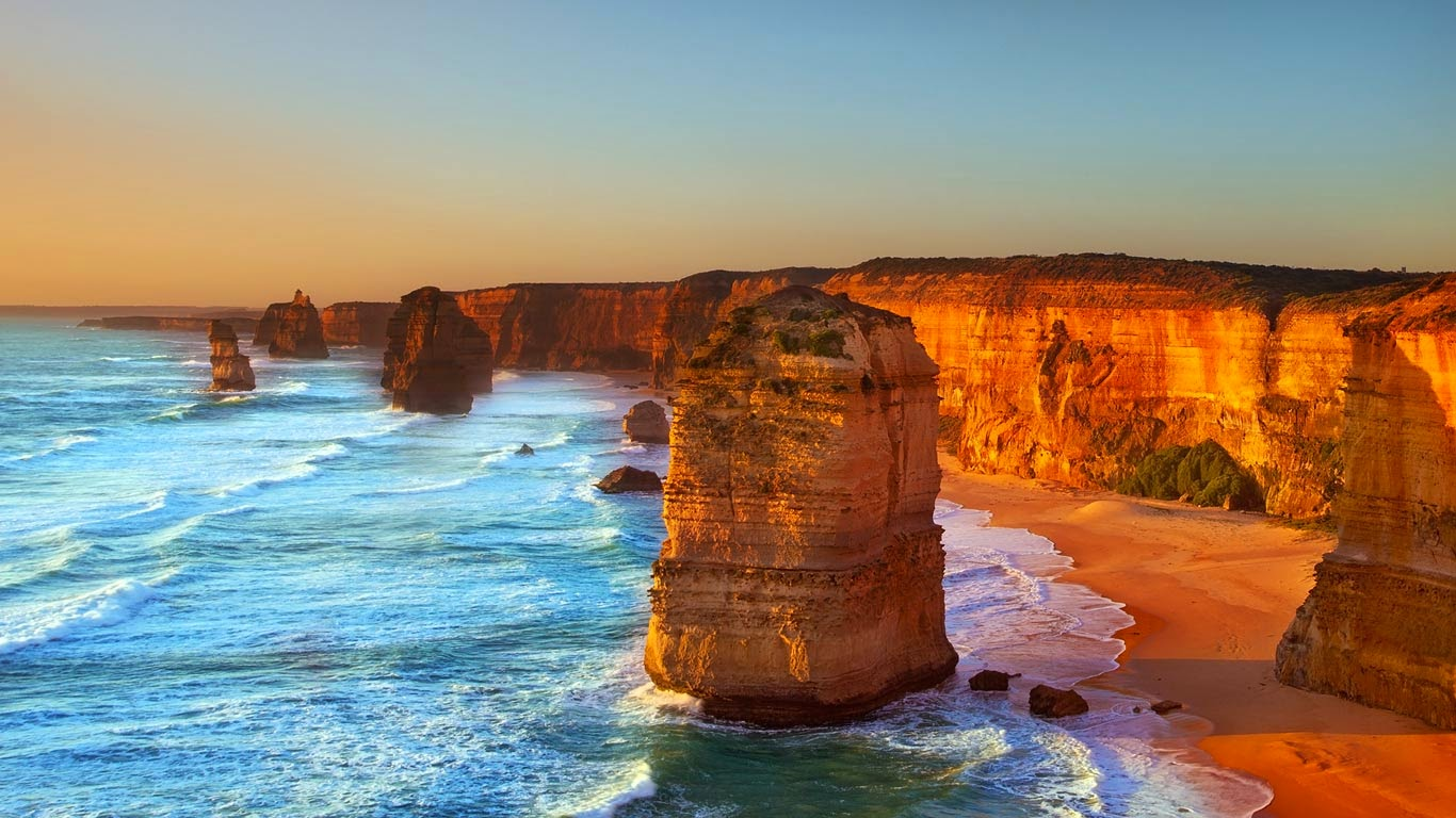 The Twelve Apostles, Port Campbell National Park, Australia (© Marcella Miriello/Shutterstock) 131