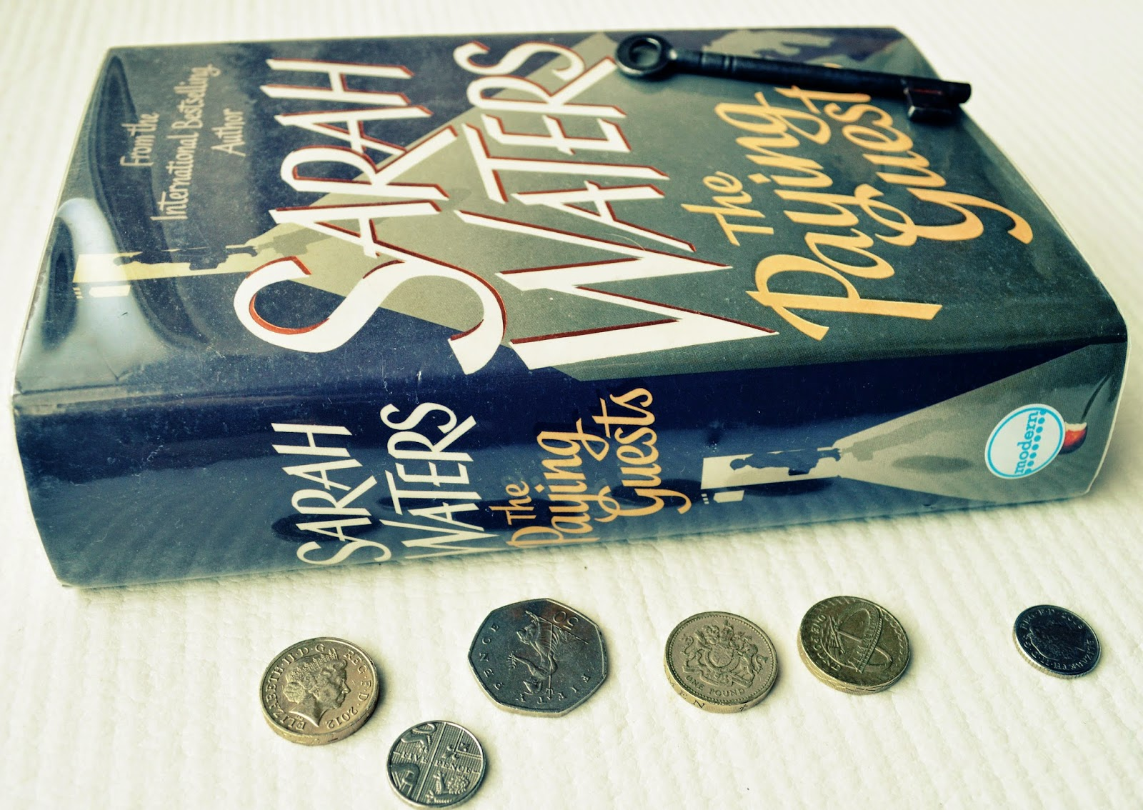 Sarah Waters, The Paying Guests, historical fiction, hardback, blog, book review, 1920's, lesbian