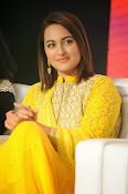 Sonakshi sinha at Lingaa event-thumbnail-3