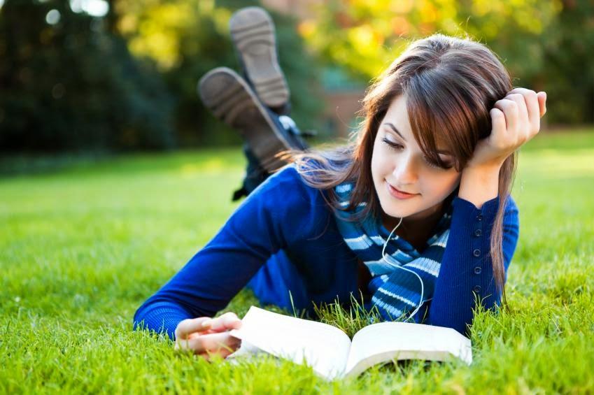 5 cara memaksimalkan waktu unuk membaca buku