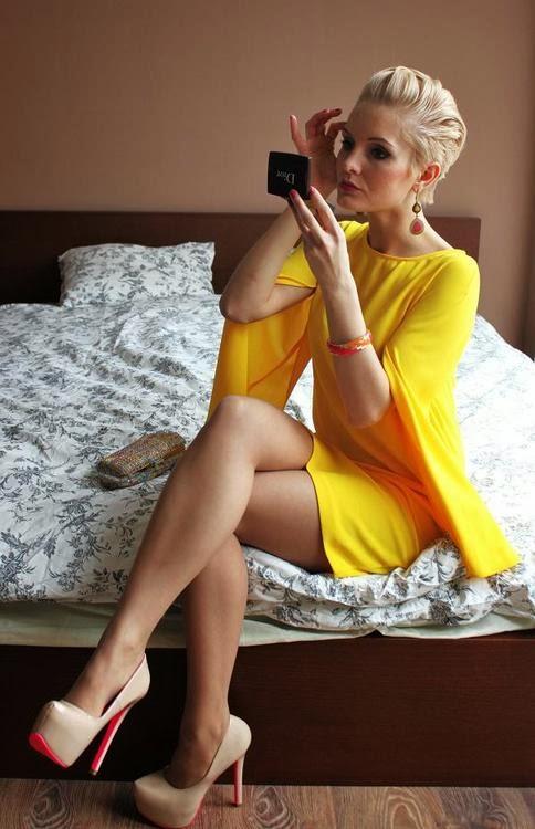 Girls Hot Beautiful Sexy And Charming Mini Skirt Very Hot