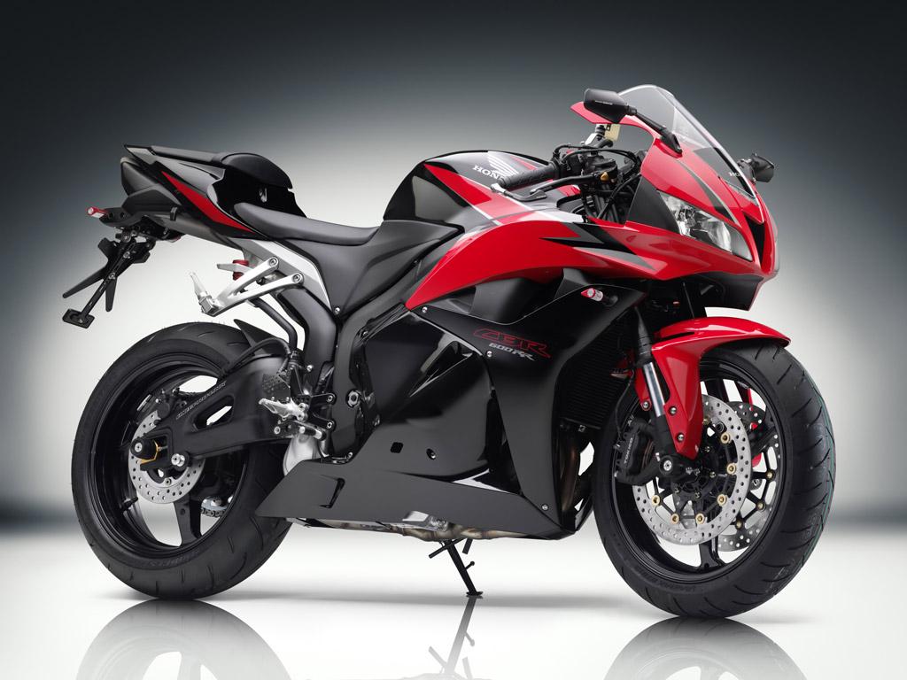 Black Red Yamaha R1 Bike Wallpapers