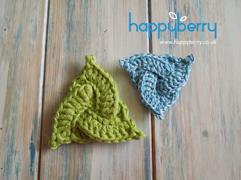 Happy Berry Crochet How To Crochet A Celtic Triangle Yarn Scrap
