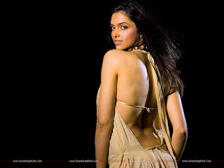 hot_deepika_padukone_back