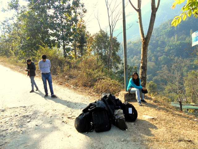 Waiting for the cab at Reshikhola