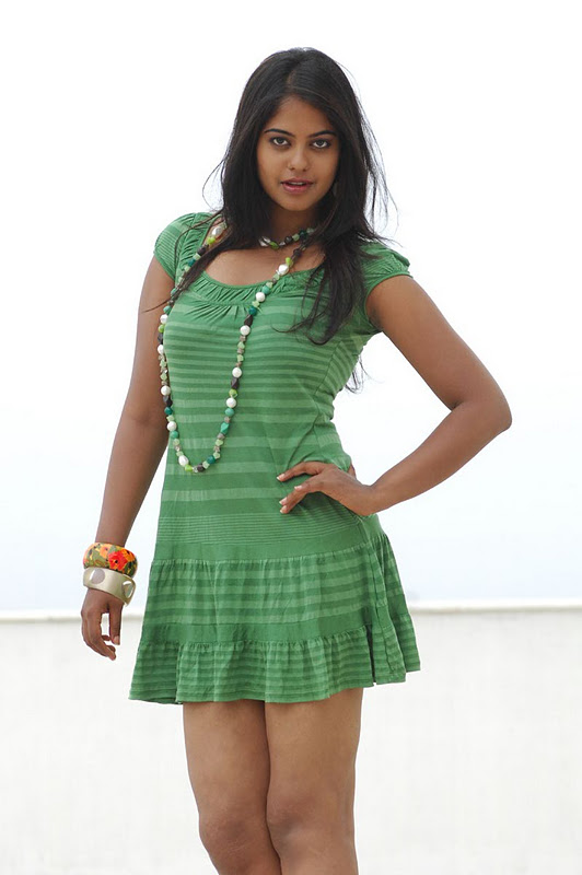 Bindu Madhavi 1 - Bindu Madhavi Latst Hot Stills in Green Dress