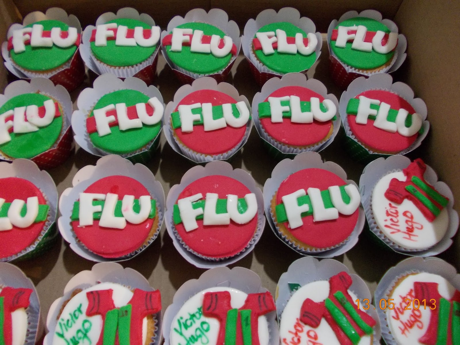 Lu Medina Cupcakes e Delícias  CUPCAKE FLUMINENSE 647c57f37daeb