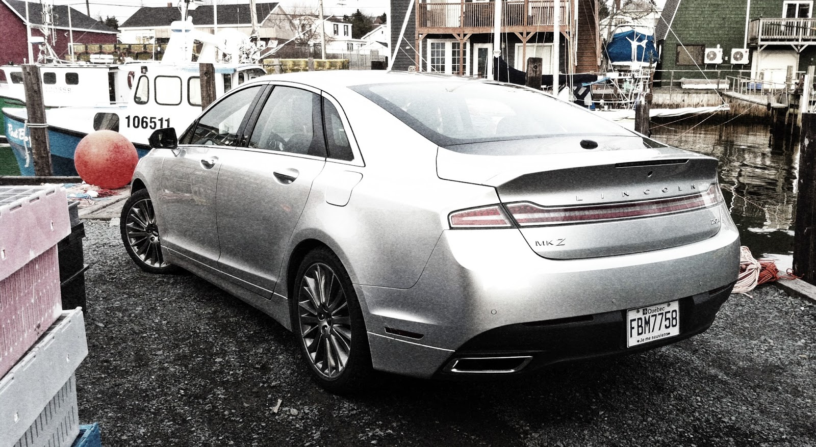 2014 Lincoln MKZ Hybrid rear angle