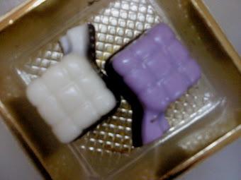 Choco Dark Milk Ketupat Shape