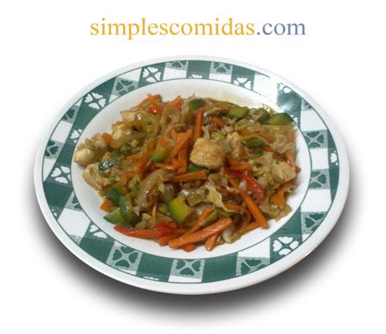 vegetales salteados con pollo