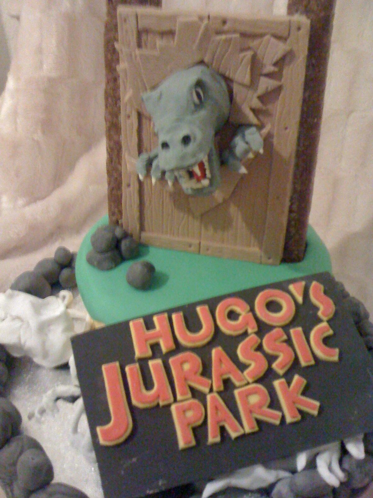 Hugo Cake Artist : Custom Cake Art: 3D Interactive Jurassic Park Cake