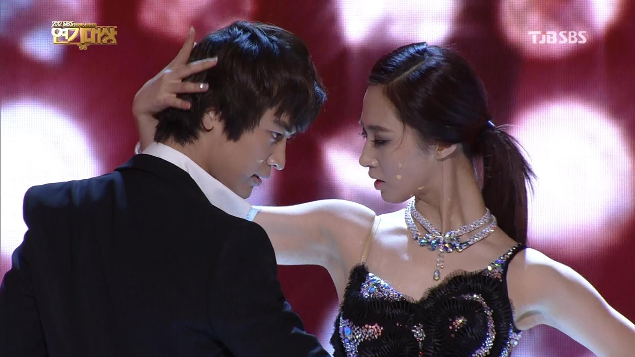 choi minho and yuri - photo #23