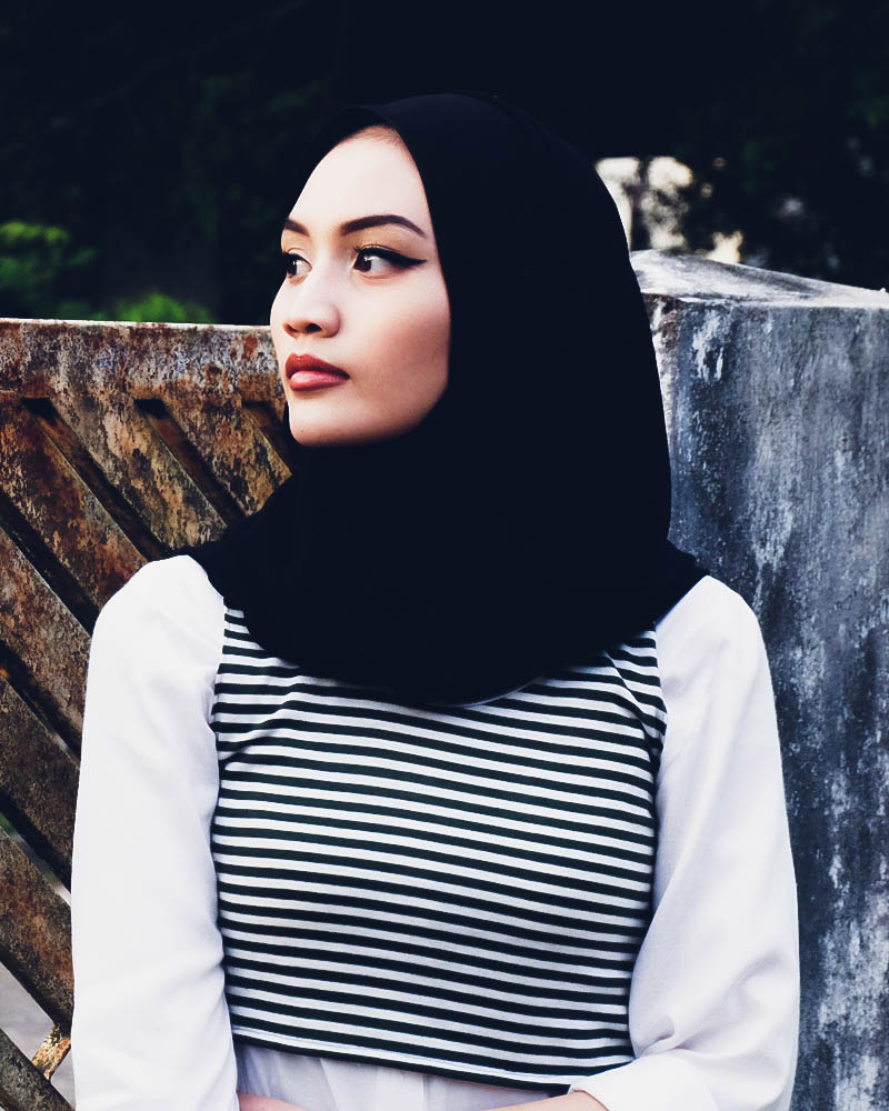 Bruneian Hijabi Beauty Blogger