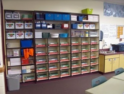 http://www.theschoolsupplyaddict.com/room-setup.html
