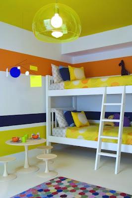 listras horizontais quarto de criança