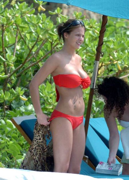 "Gemma Atkinson Wearing ""Red Bikini"" And Tattoo In Cuba"