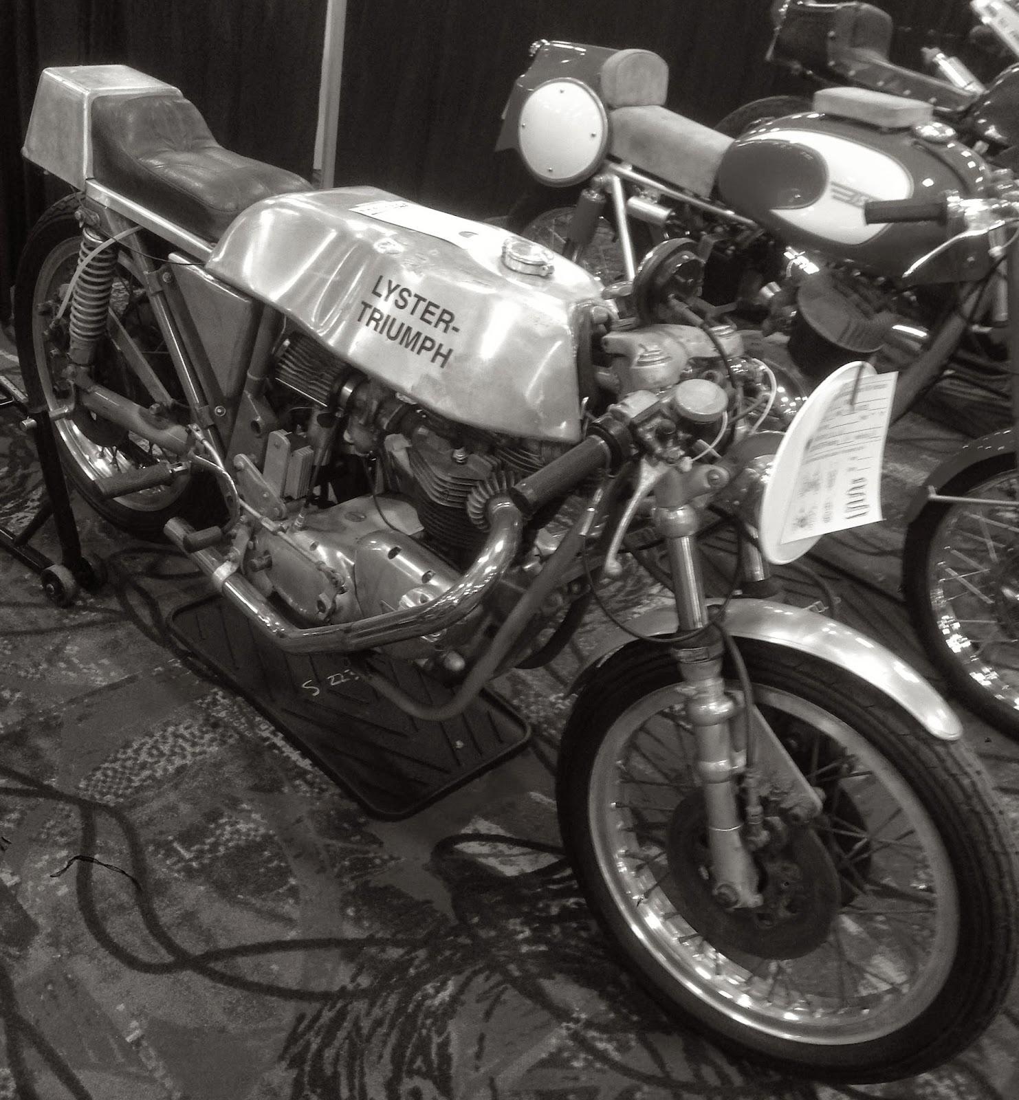 GENUINE TRIUMPH MOTORCYCLES BRADBURY T-SHIRT TIGER ADVENTURE T SHIRT MARL RED