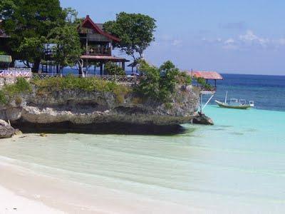 ... yang jadi favorit,yaitu Pulau Liukang Lohe dan Pulau Bentang atau
